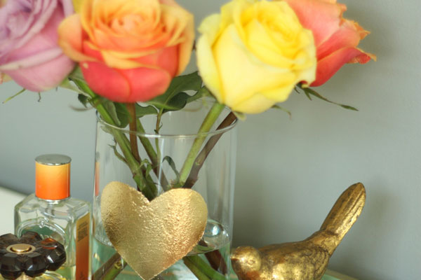 gold-leaf-heart-vase-DIY-6