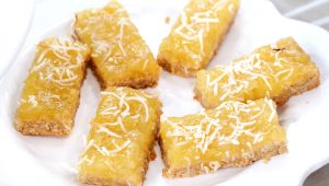 pineapple-coconut-squares