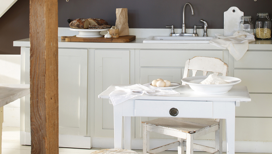 Certainly painting the walls can bring new life to the space but painting your cabinets will be the most impressive change you can make without the expense ... & The 4 Trendiest Colours For Re-Painting Your Kitchen Cabinet Doors ...