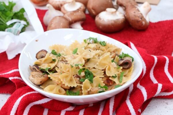 Pasta with mushroom and chicken - Cityline