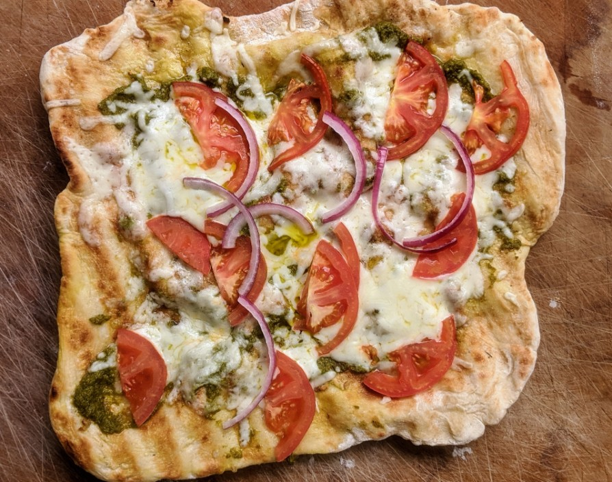 Homemade grilled pizzas - Cityline