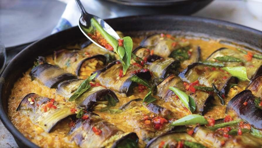 Stuffed eggplant with coconut curry dal - Cityline